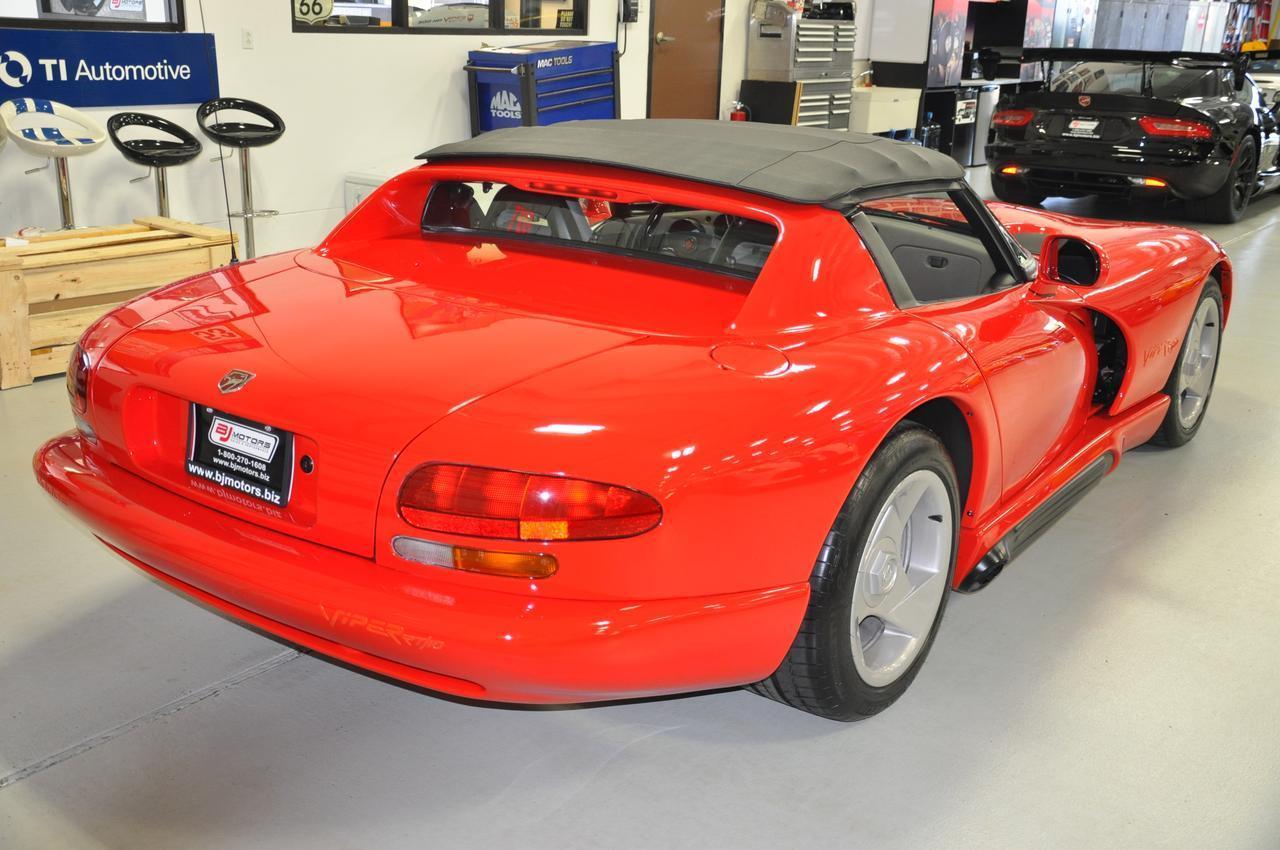 Used-1992-Dodge-Viper-Sports-Car-RT-10