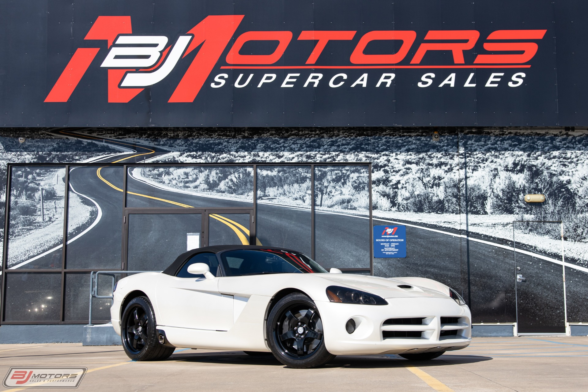Used-2004-Dodge-Viper-SRT-10-Supercharged