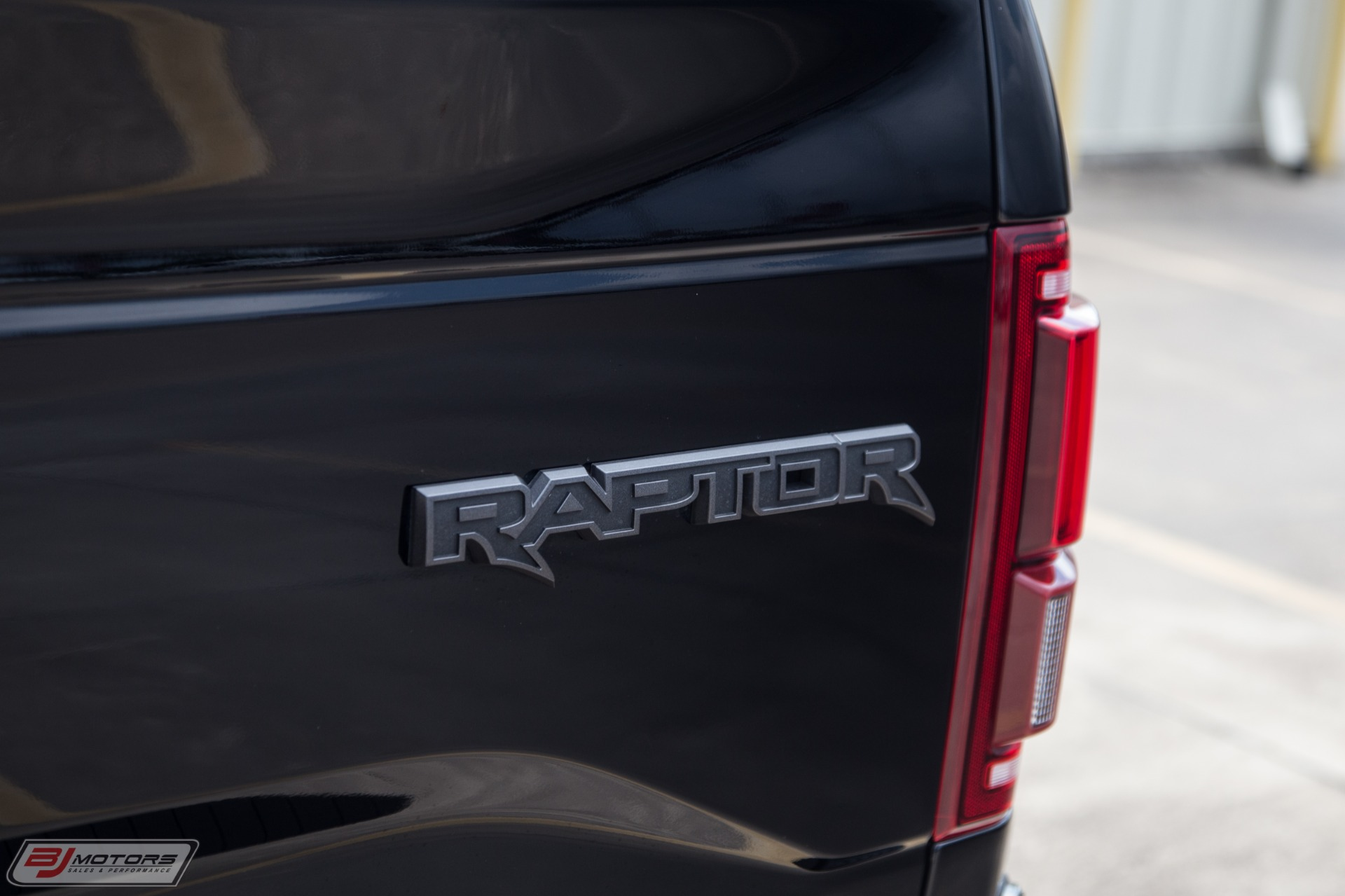Used-2017-Ford-F-150-Raptor-Signature-Series