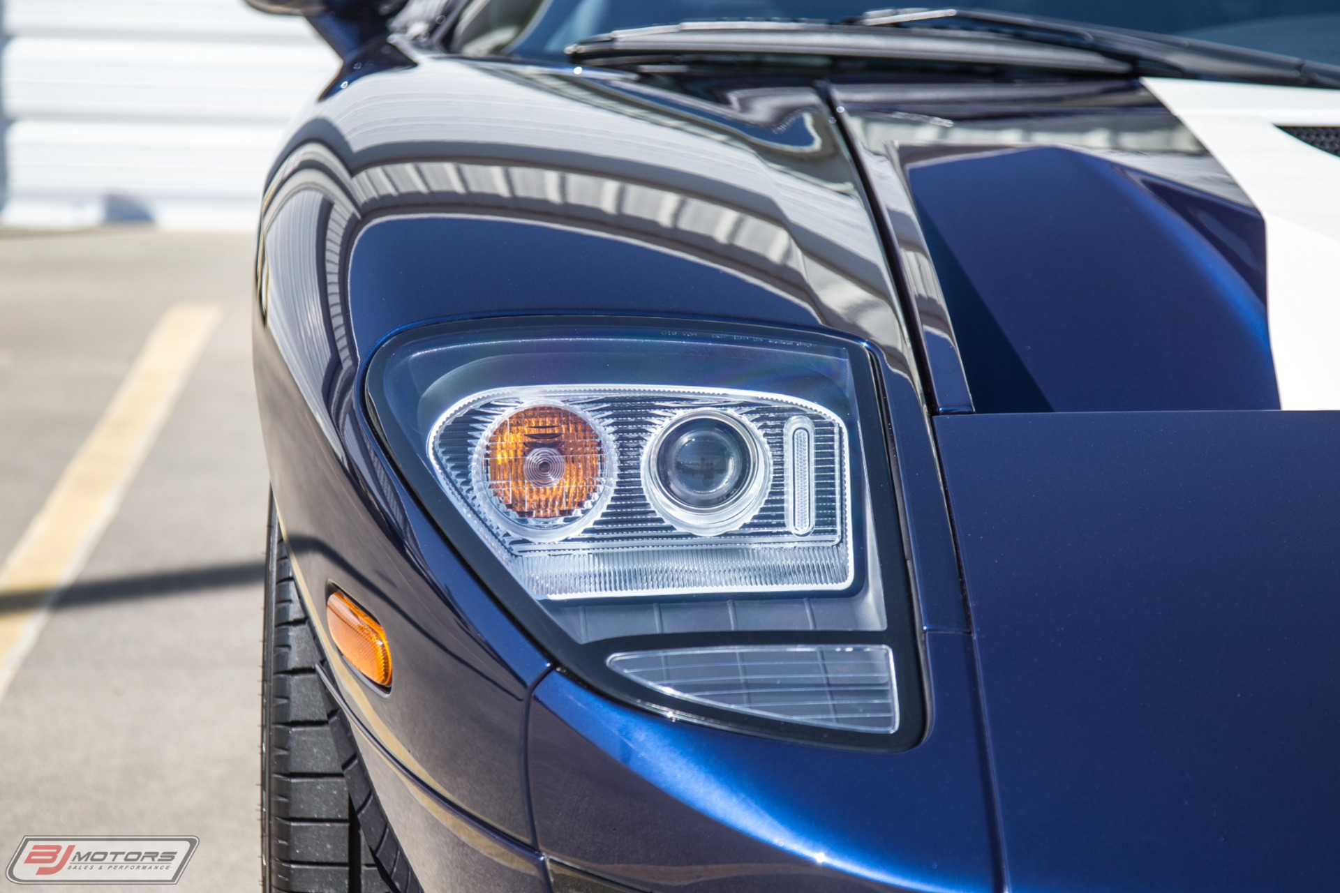 Used-2006-Ford-GT-Midnight-Blue-with-White-Stripes