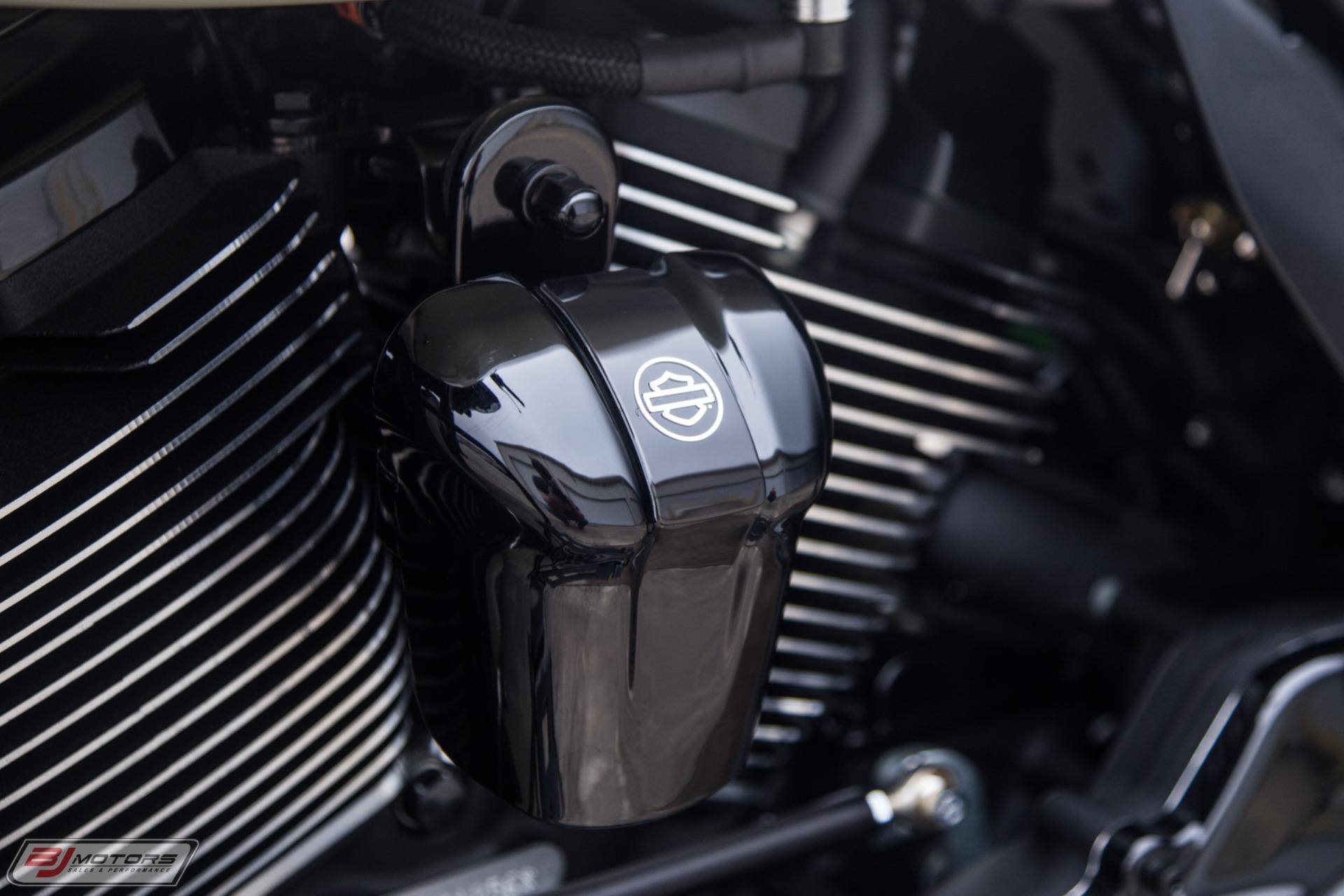 Used-2018-Harley-Davidson-Road-Glide-Custom-Bagger
