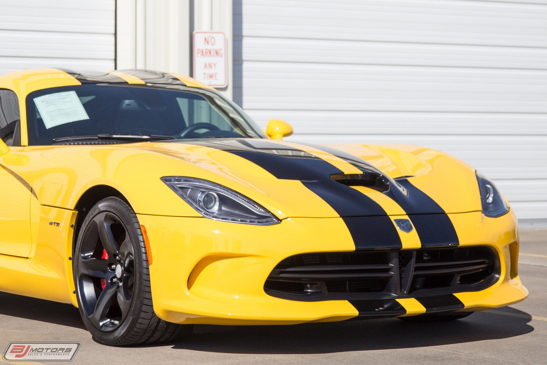 Used-2014-Dodge-SRT-Viper-GTS-Low-Miles-and-Immaculate-Viper