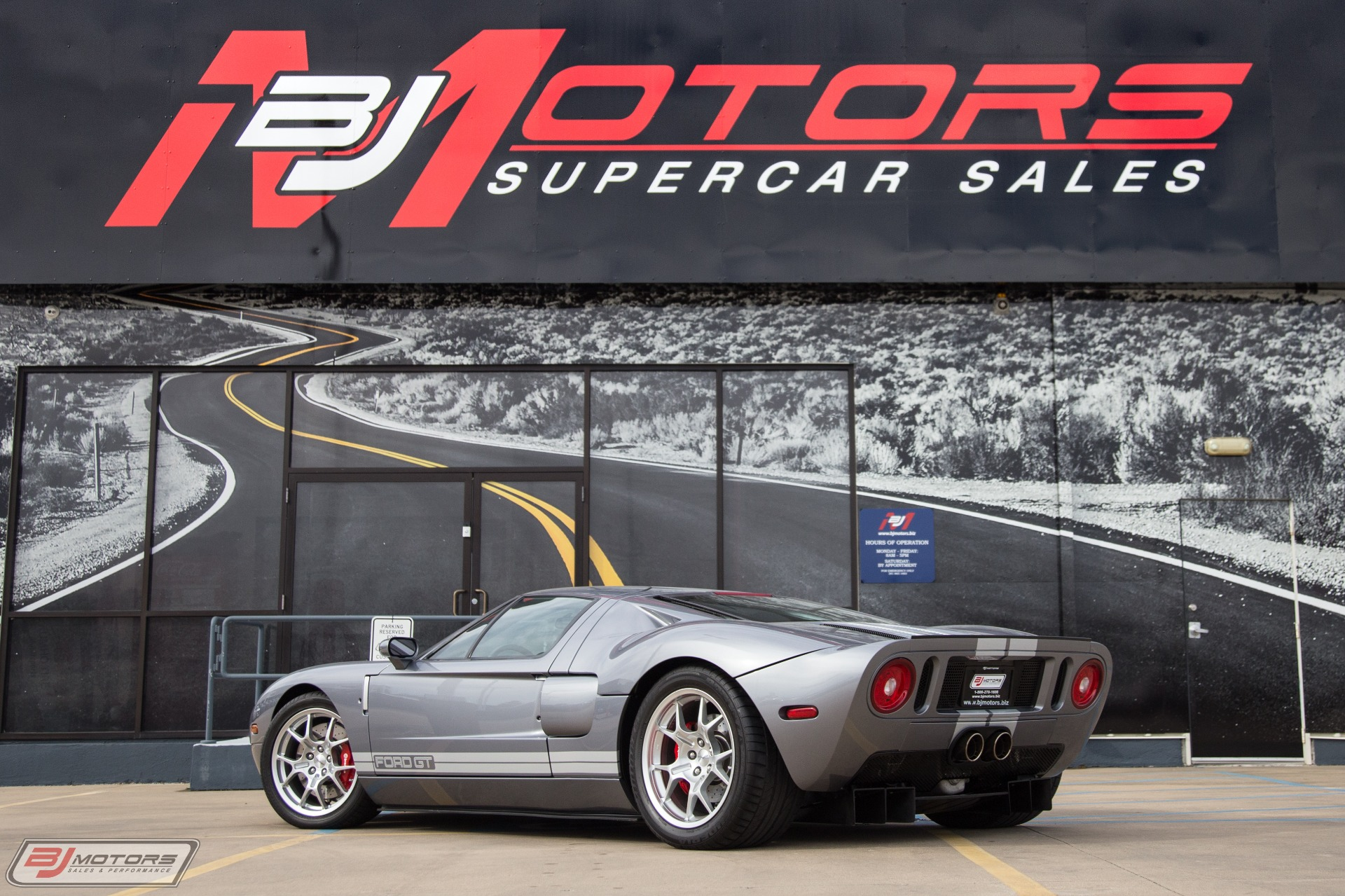 Used-2006-Ford-GT-in-Tungsten-with-Silver-Stripes-Red-Calipers-3-Option-Ford-GT