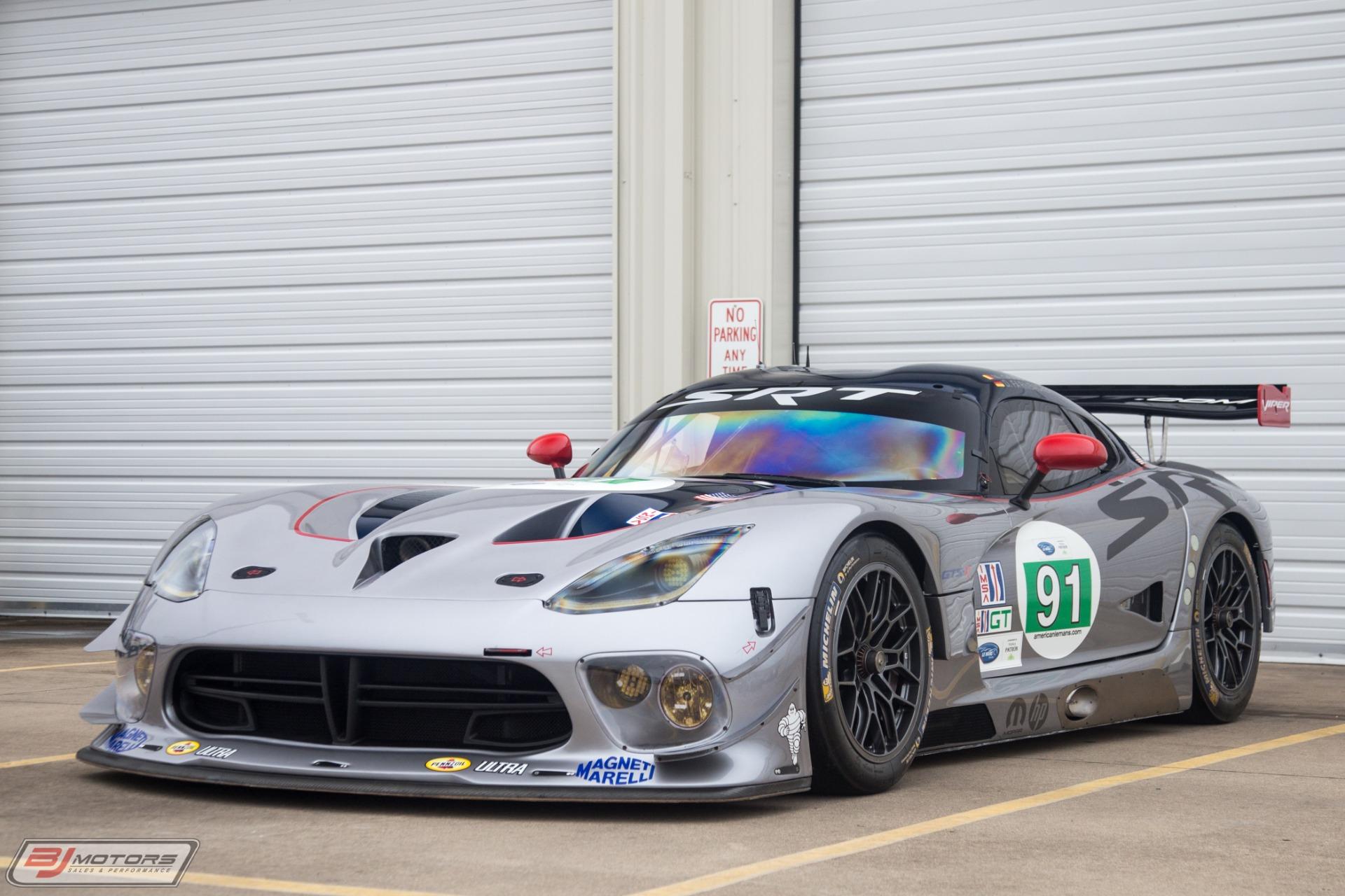 Used-2012-Dodge-Viper-GTS-R-Race-Car--91