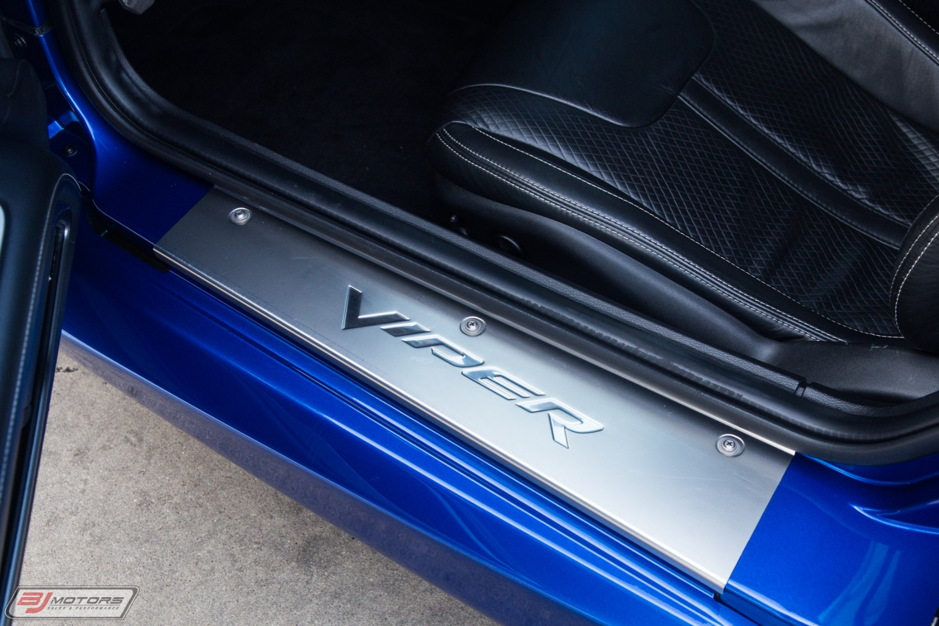 Used-2013-Dodge-Viper-GTS-Launch-Edition