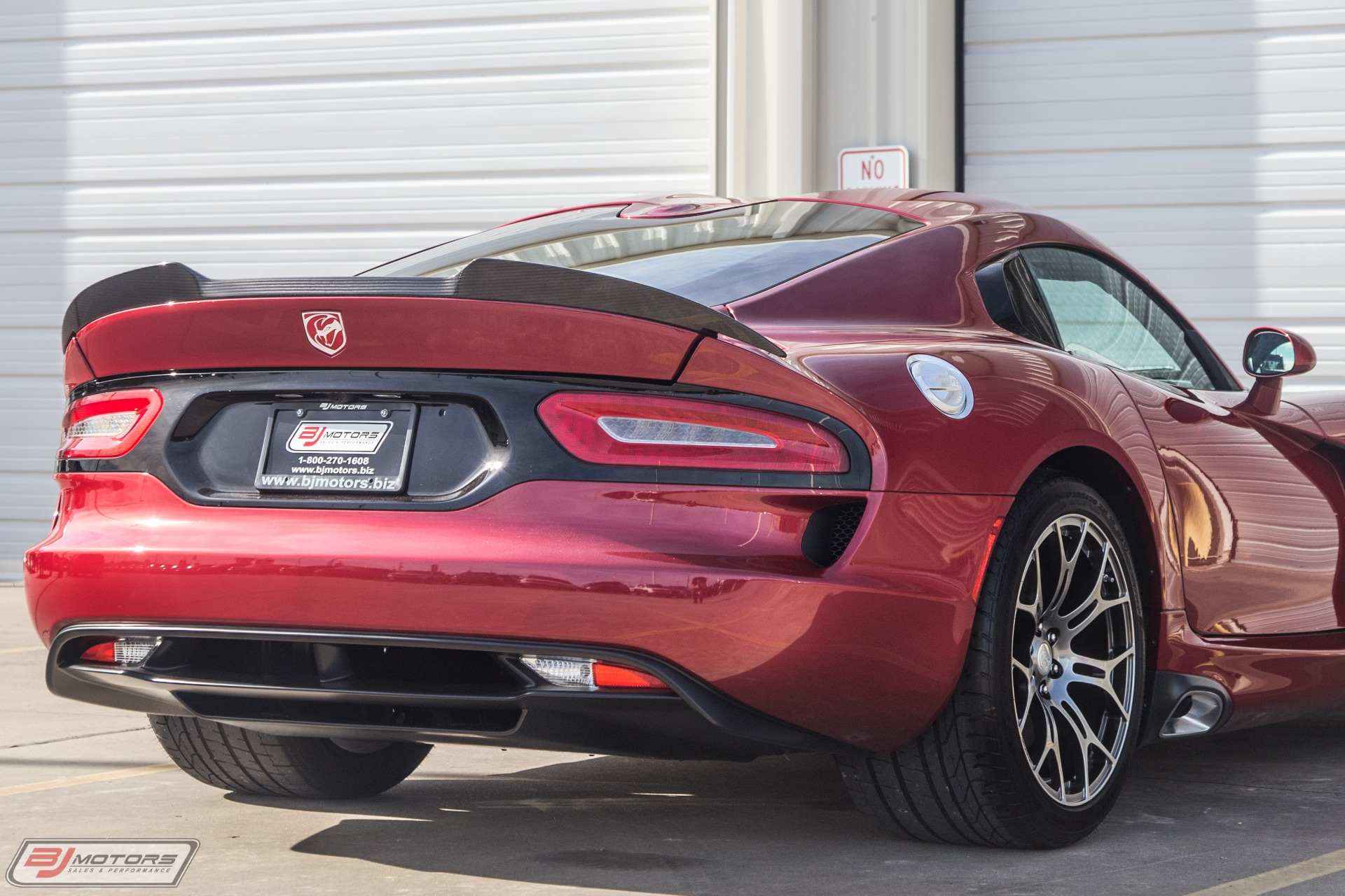 Used-2016-Dodge-Viper-GTC-Arrow-90L