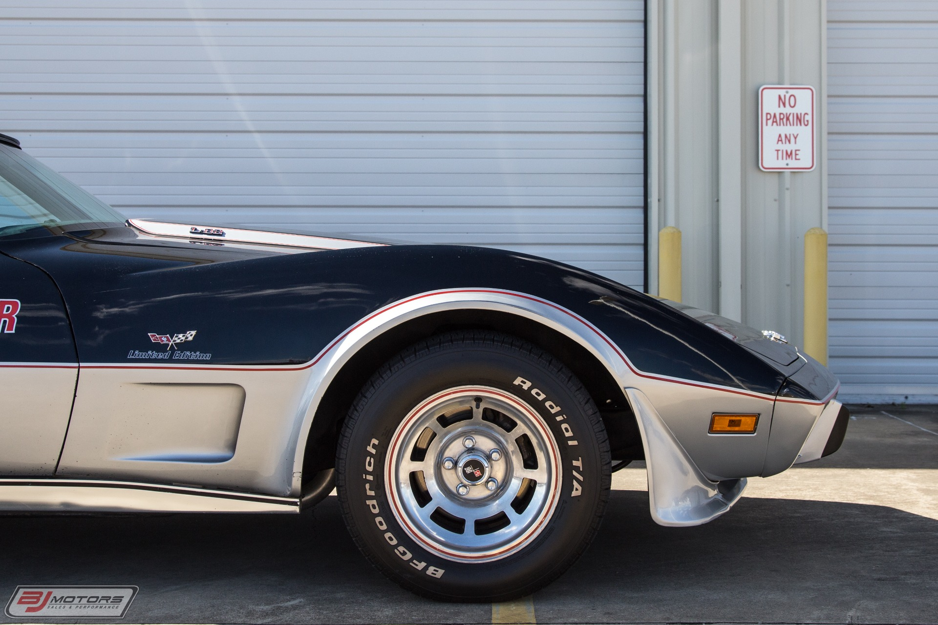 Used-1978-Cheverolet-Corvette-Indy-Pace-Car