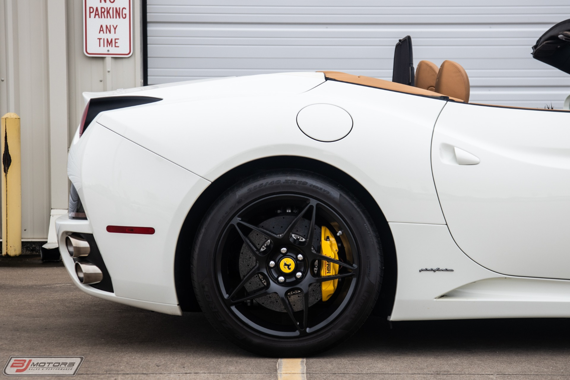 Used-2010-Ferrari-California-Base
