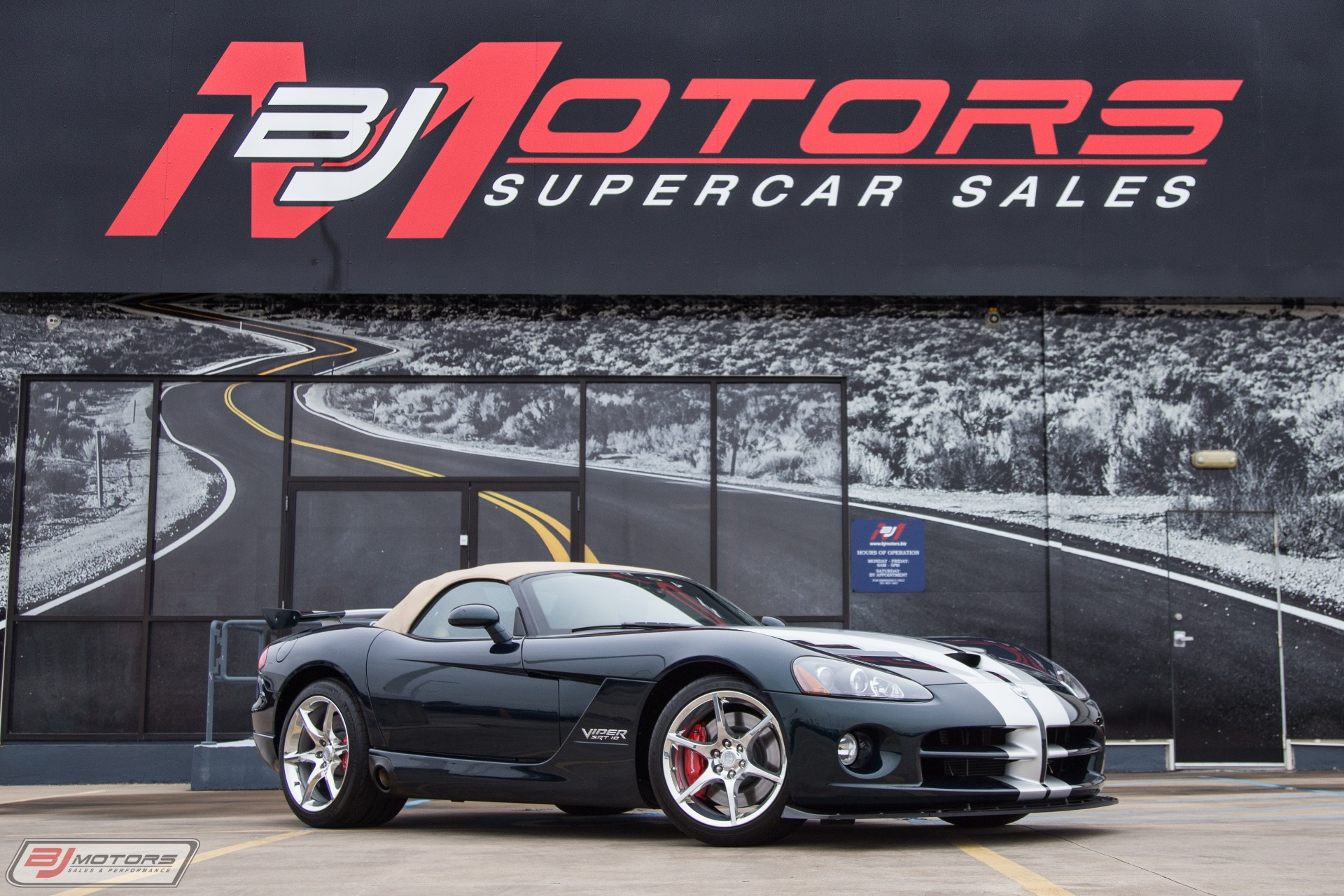 Used-2010-Dodge-Viper-SRT-10-Anaconda-Green