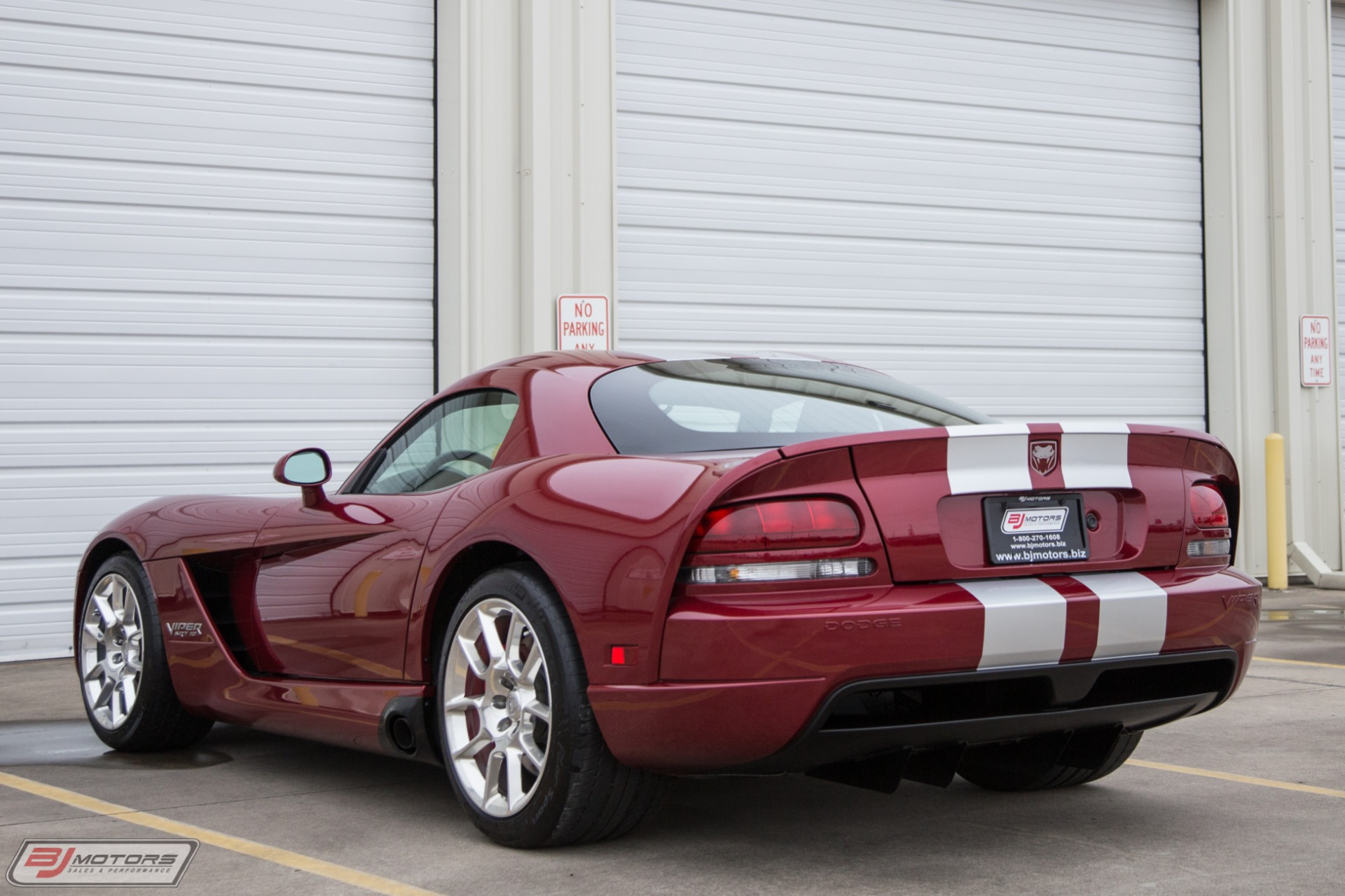 Used-2008-Dodge-Viper-SRT-10