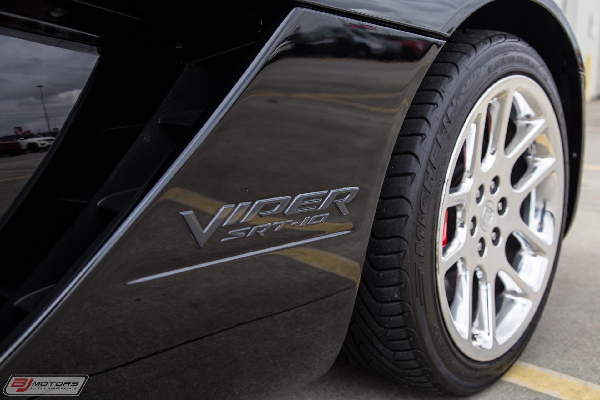 Used-2003-Dodge-Viper-SRT-10