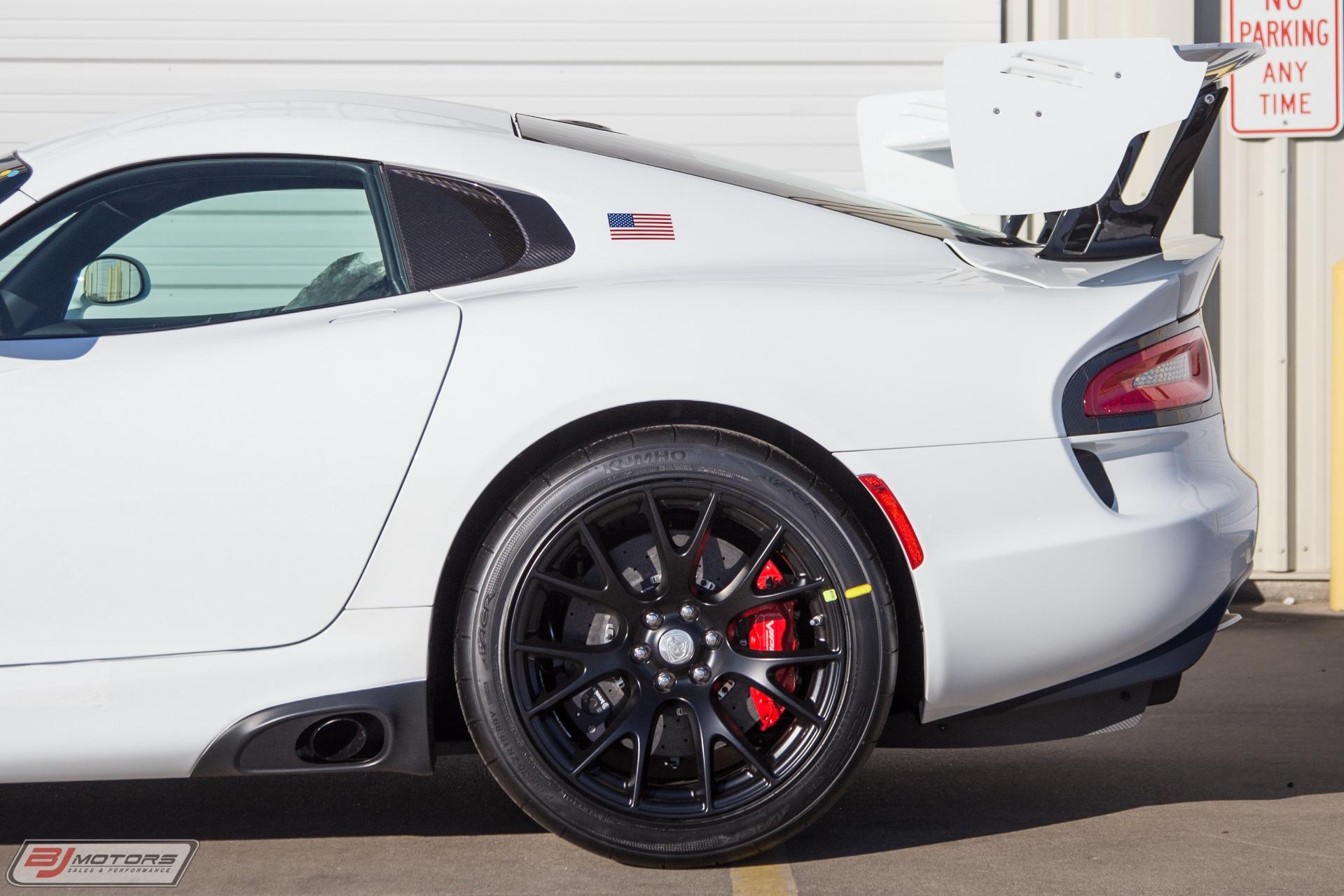 Used-2017-Dodge-Viper-GTS-R--001