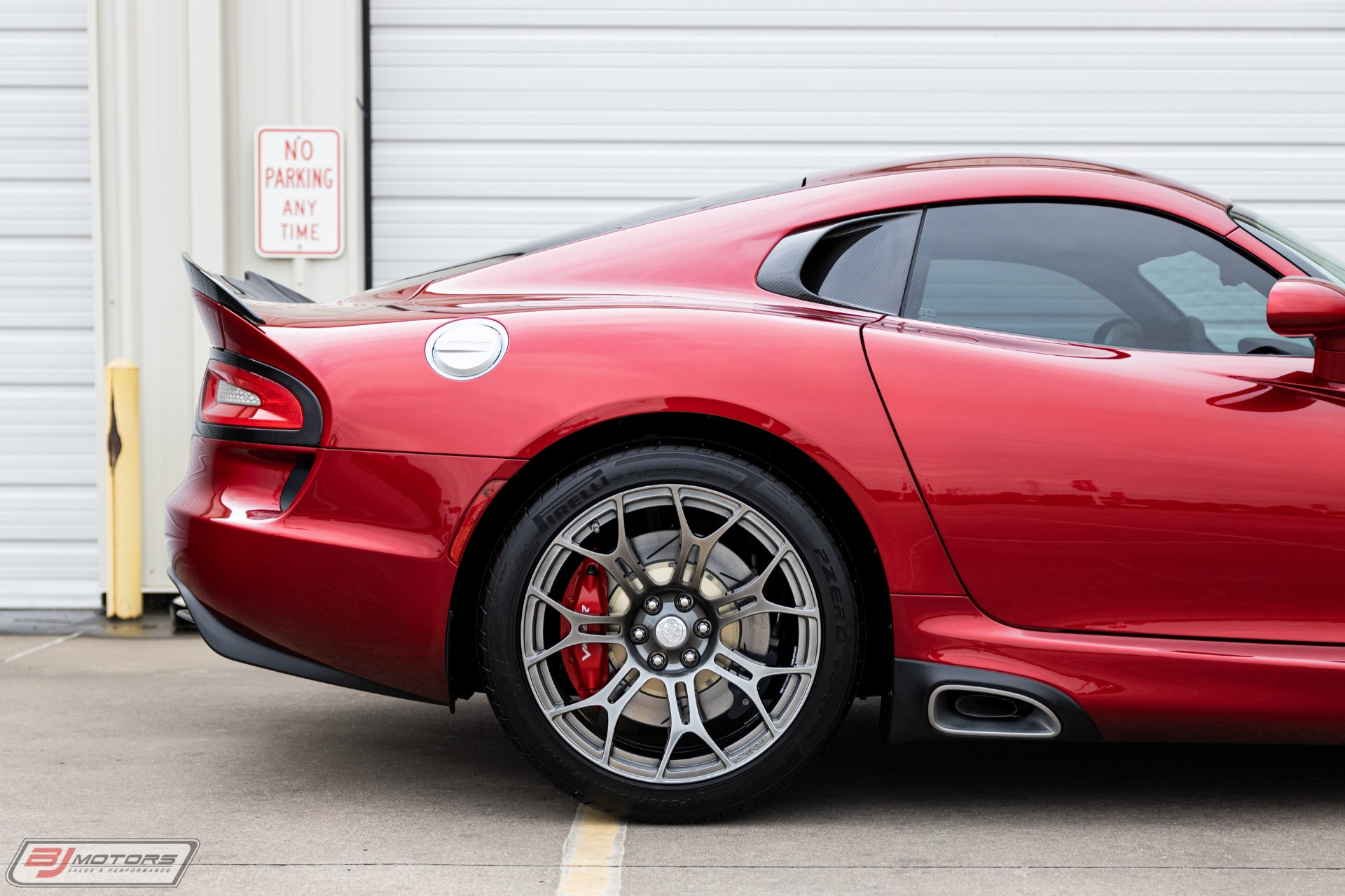 Used-2014-Dodge-Viper-GTS-with-9-Miles-Massive-166K--MSRP