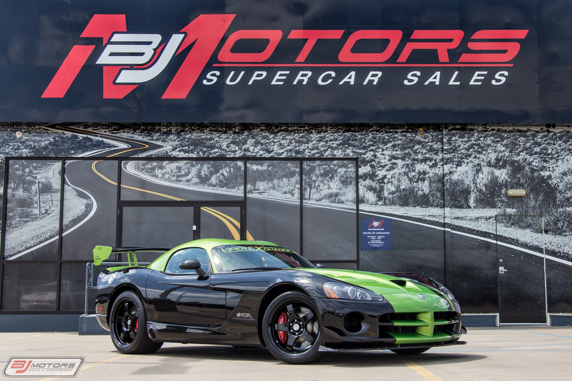 Used-2010-Dodge-Viper-SRT-10-The-Actual-Ring-Car-From-2011
