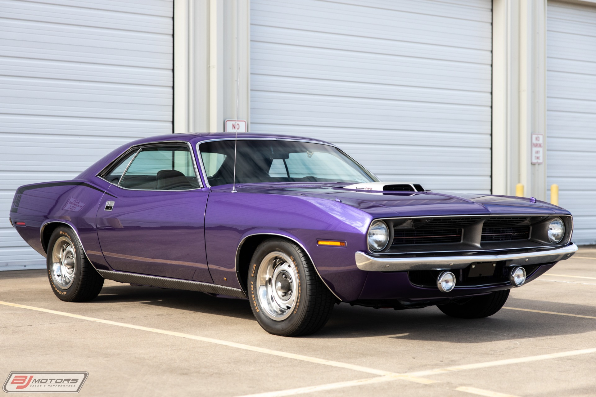 Used-1970-Plymouth-Barracuda-440-Six-Pack-in-Plum-Crazy-Purple
