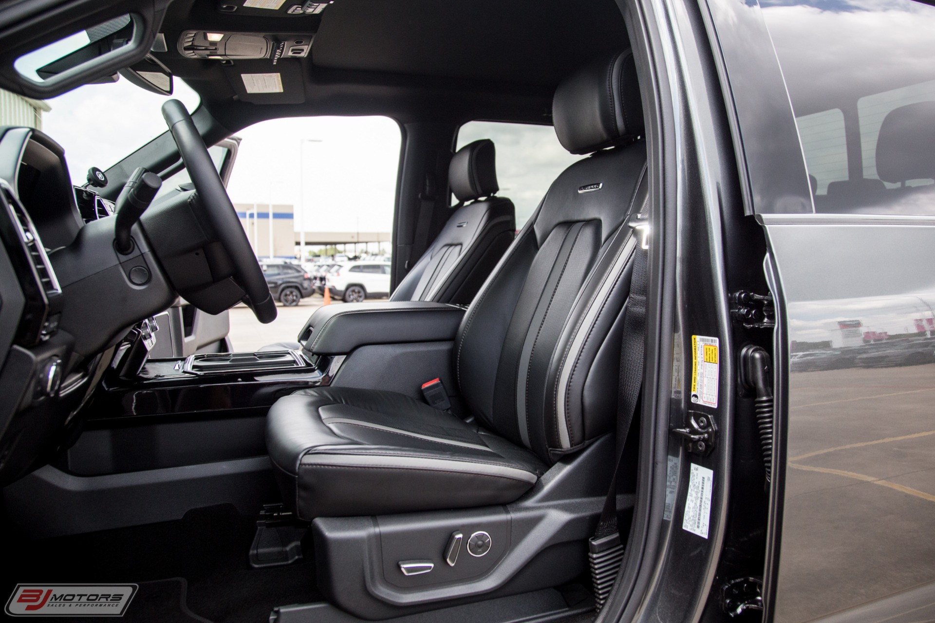 Used-2019-Ford-F-450-Super-Duty-Platinum