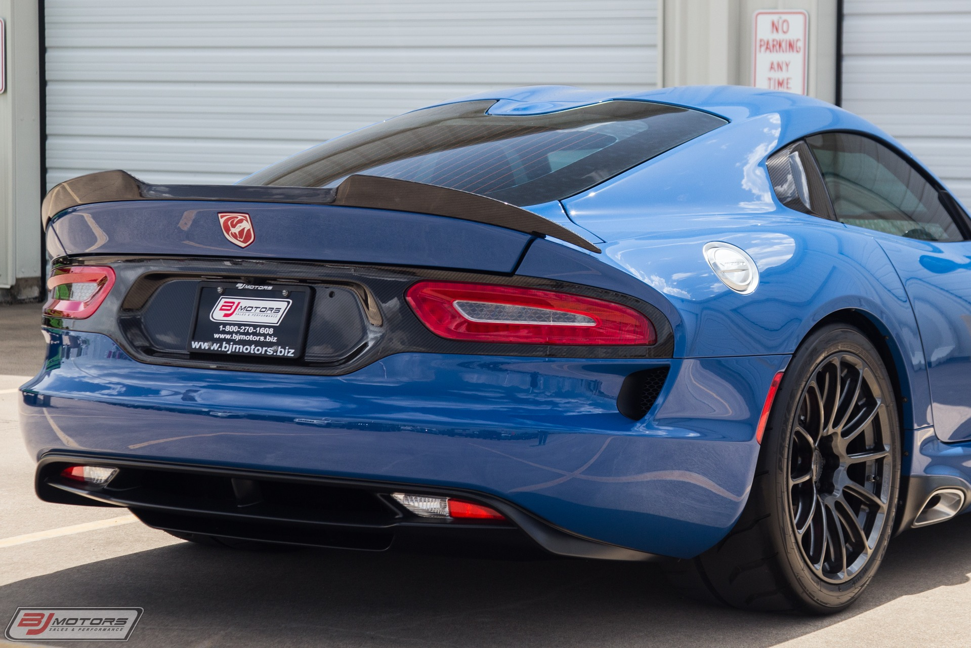 Used-2015-Dodge-Viper-GTC-1-Of-1