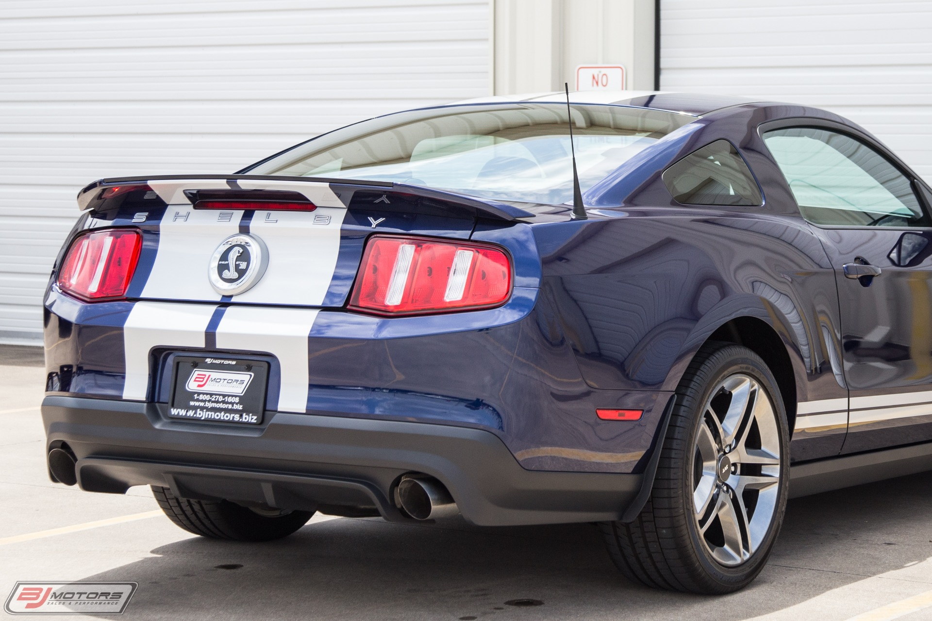 Used-2010-Ford-Mustang-Shelby-GT500-Only-138-Miles