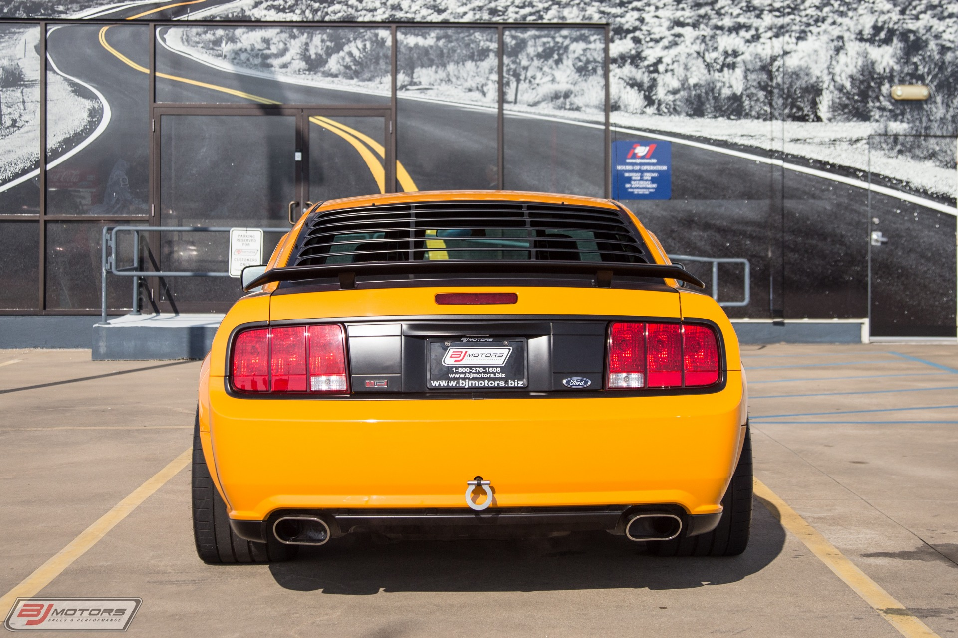 Used-2007-Ford-Mustang-Parnelli-Jones-with-Aluminator-XS-Crate-Engine-Track-Setup