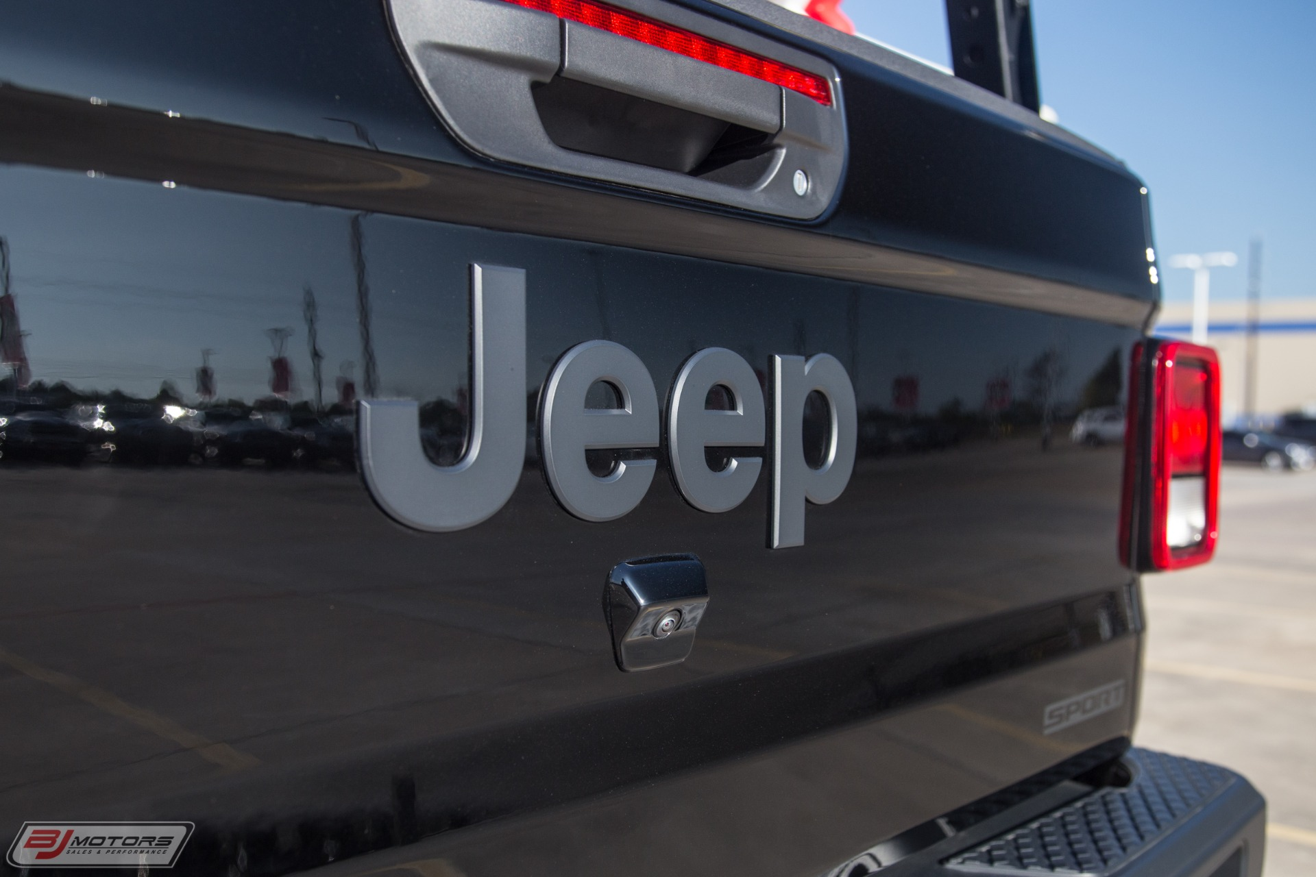 Used-2020-Jeep-Gladiator-Sport-S