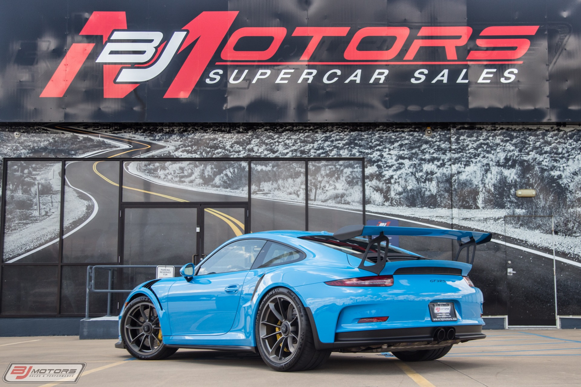 Used-2016-Porsche-911-GT3RS