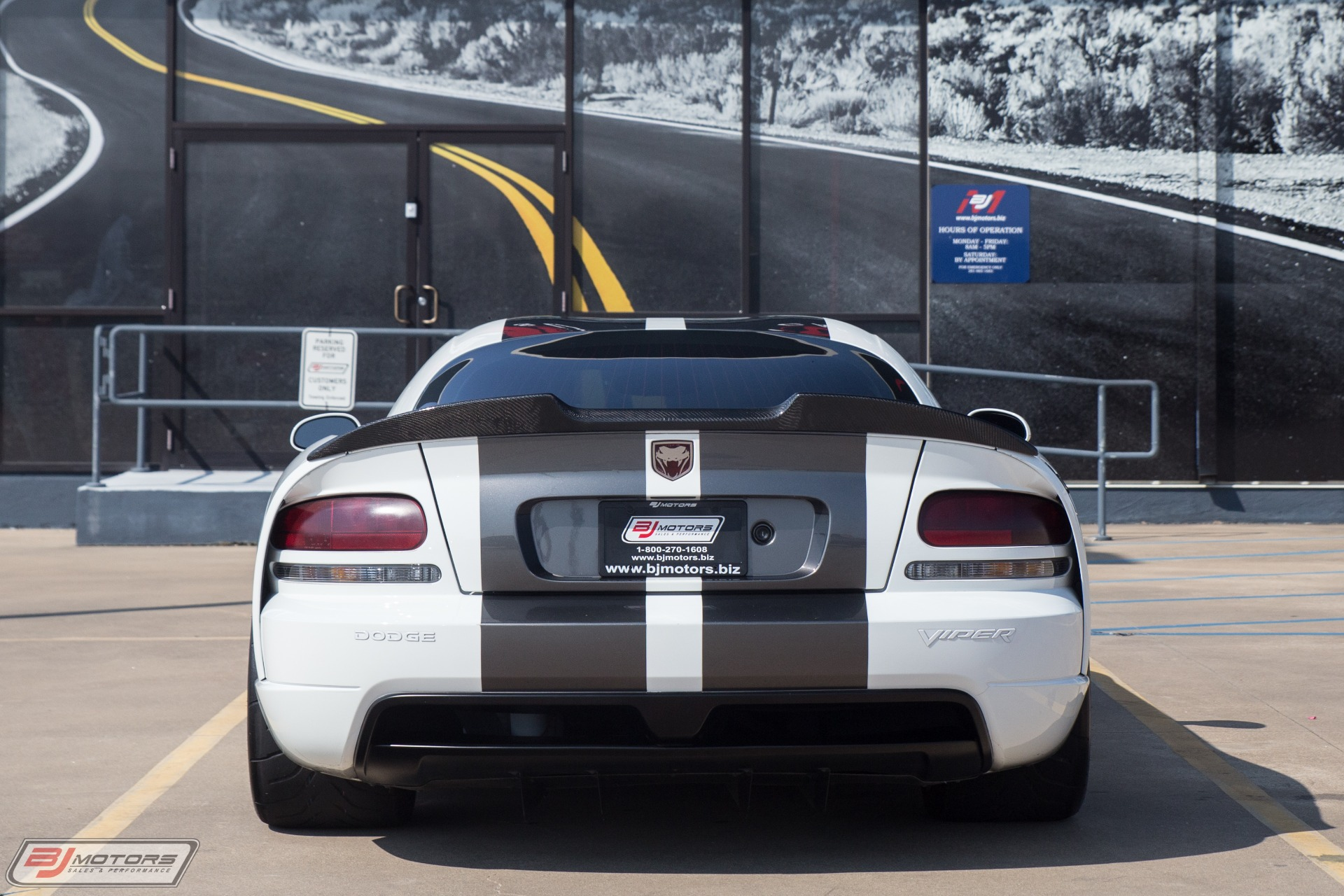 Used-2010-Dodge-Viper-SRT-10