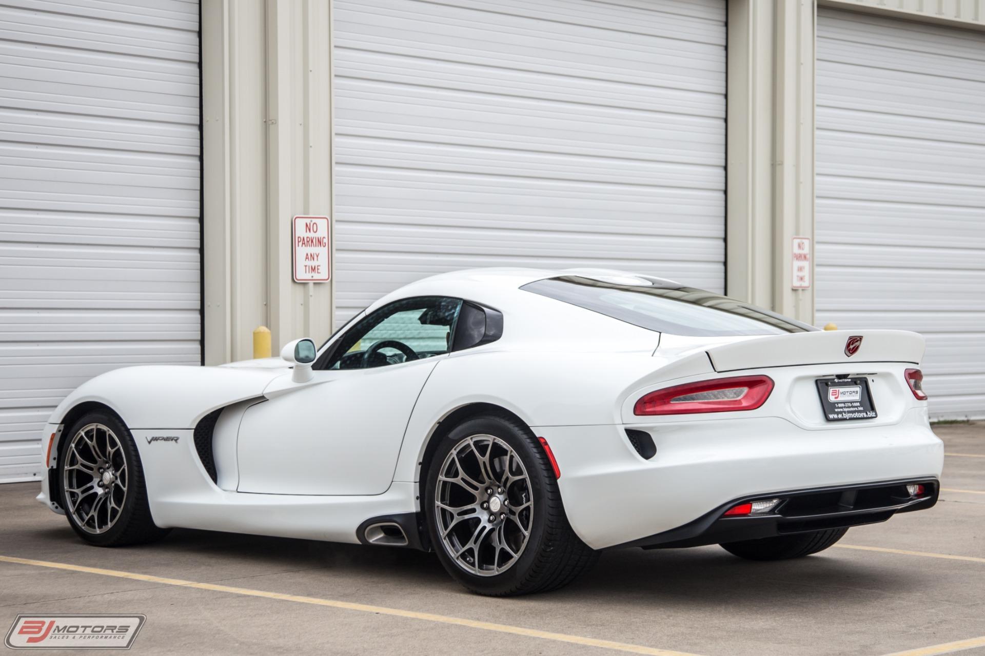 Used-2015-Dodge-Viper-SRT