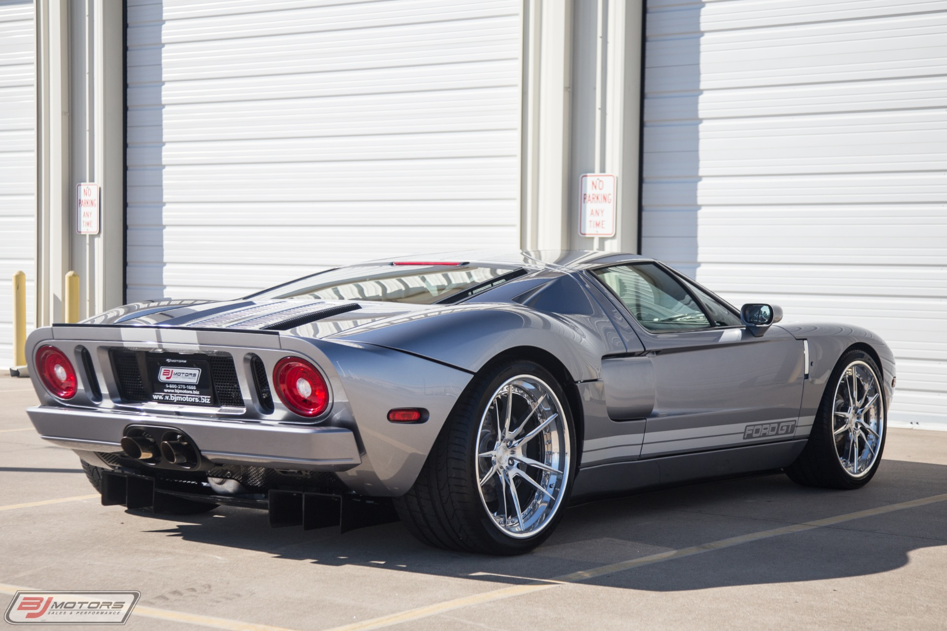 Used-2006-Ford-GT-Tungsten-4-Option-Car-with-Low-Miles