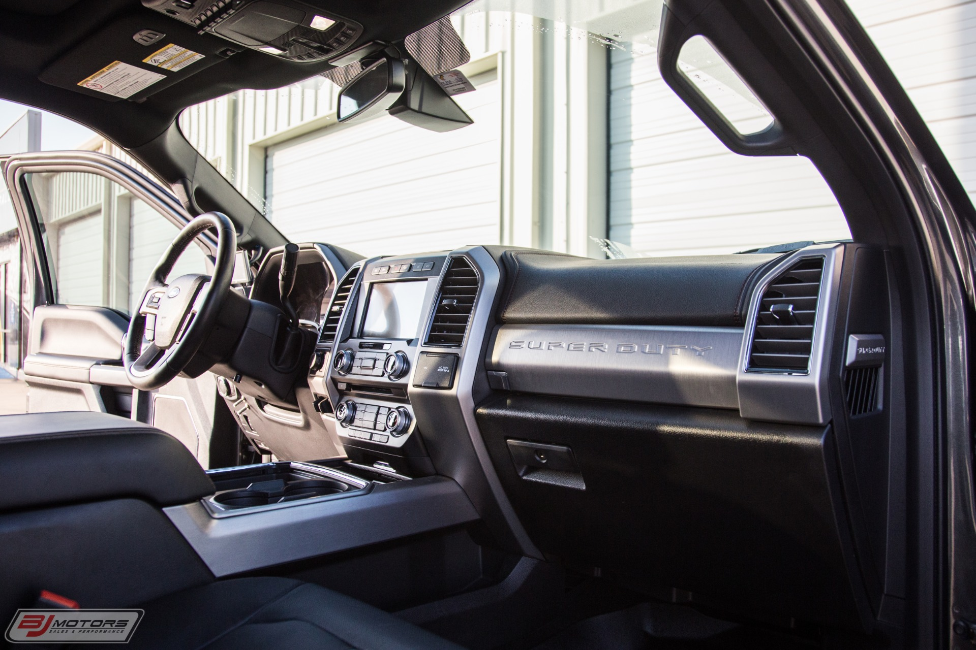 Used-2018-Ford-F-450-Super-Duty-Platinum