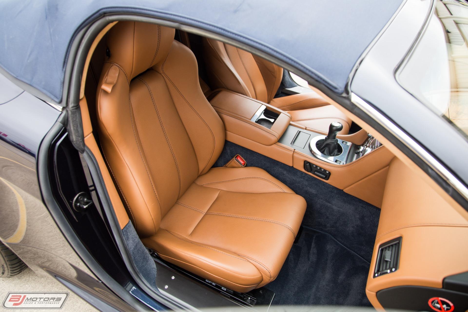 Used-2012-Aston-Martin-V8-Vantage-Roadster