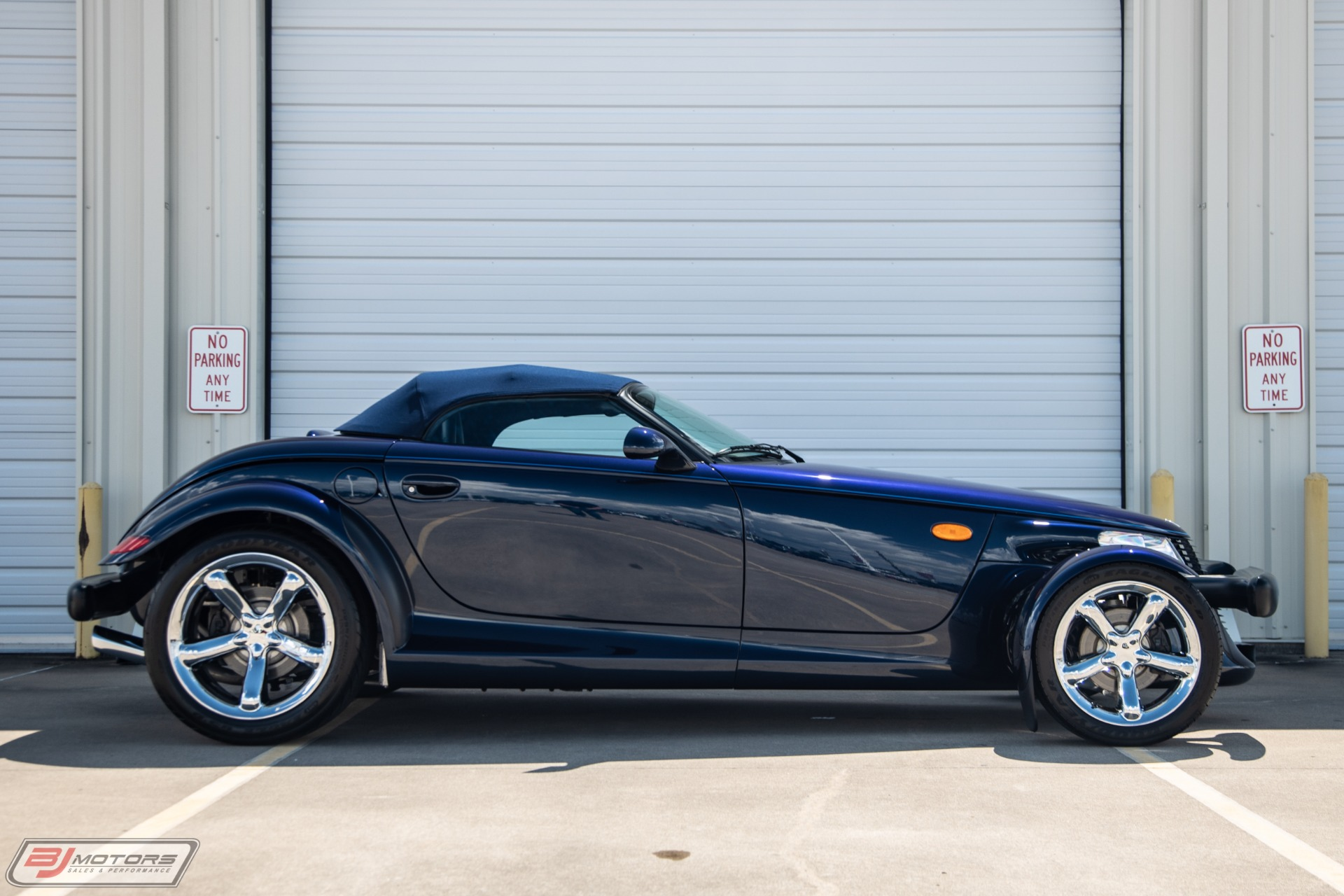 Used-2001-Chrysler-Prowler-Mulholland-Edition