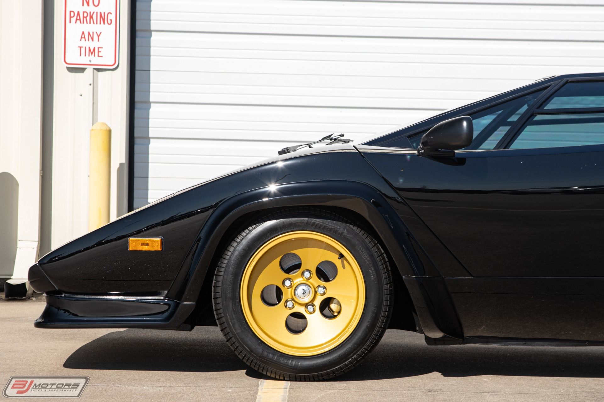 Used-1987-Lamborghini-Countach-LP5000-QV
