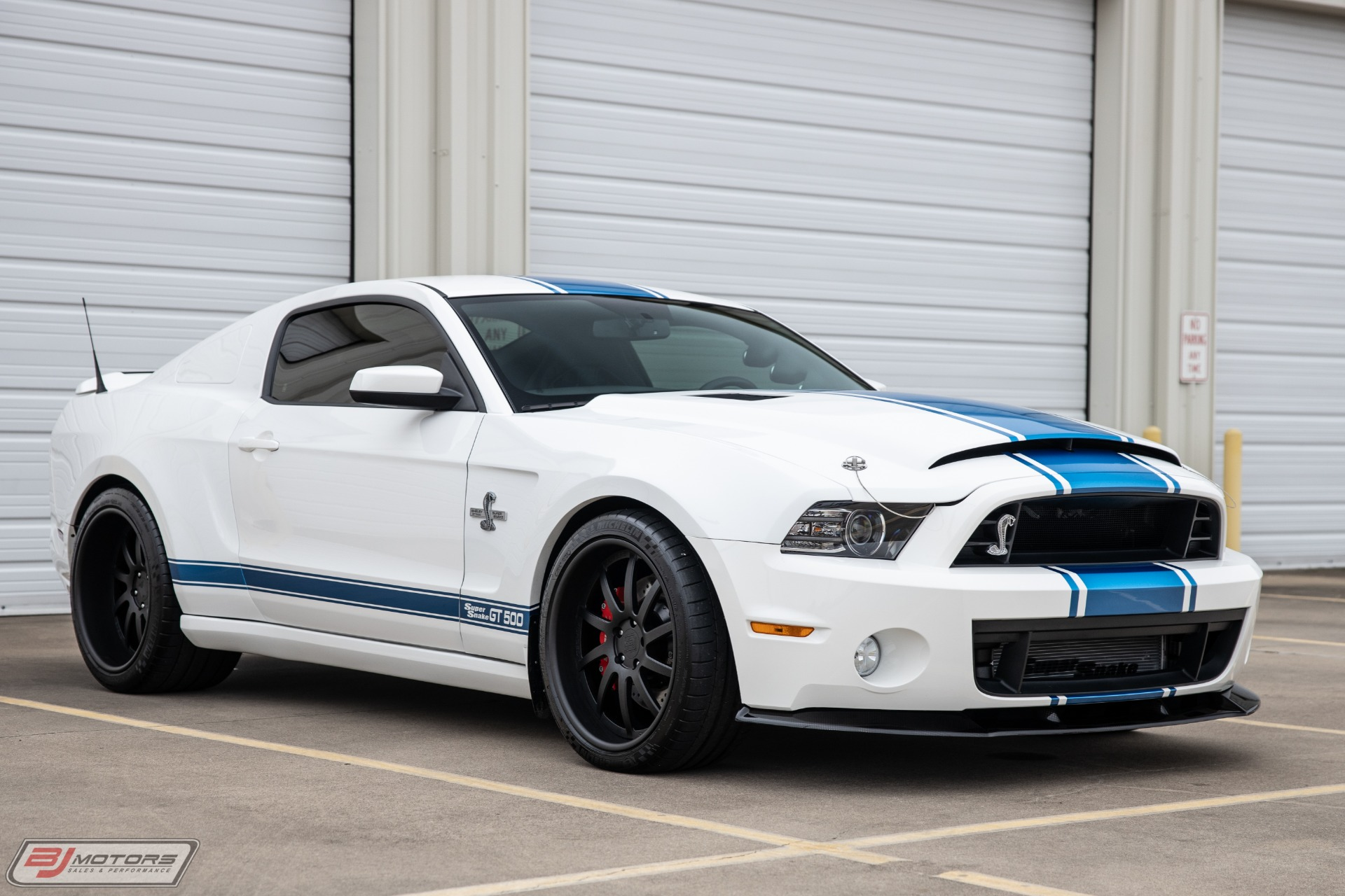 Used-2013-Ford-Mustang-Shelby-GT500-Super-Snake