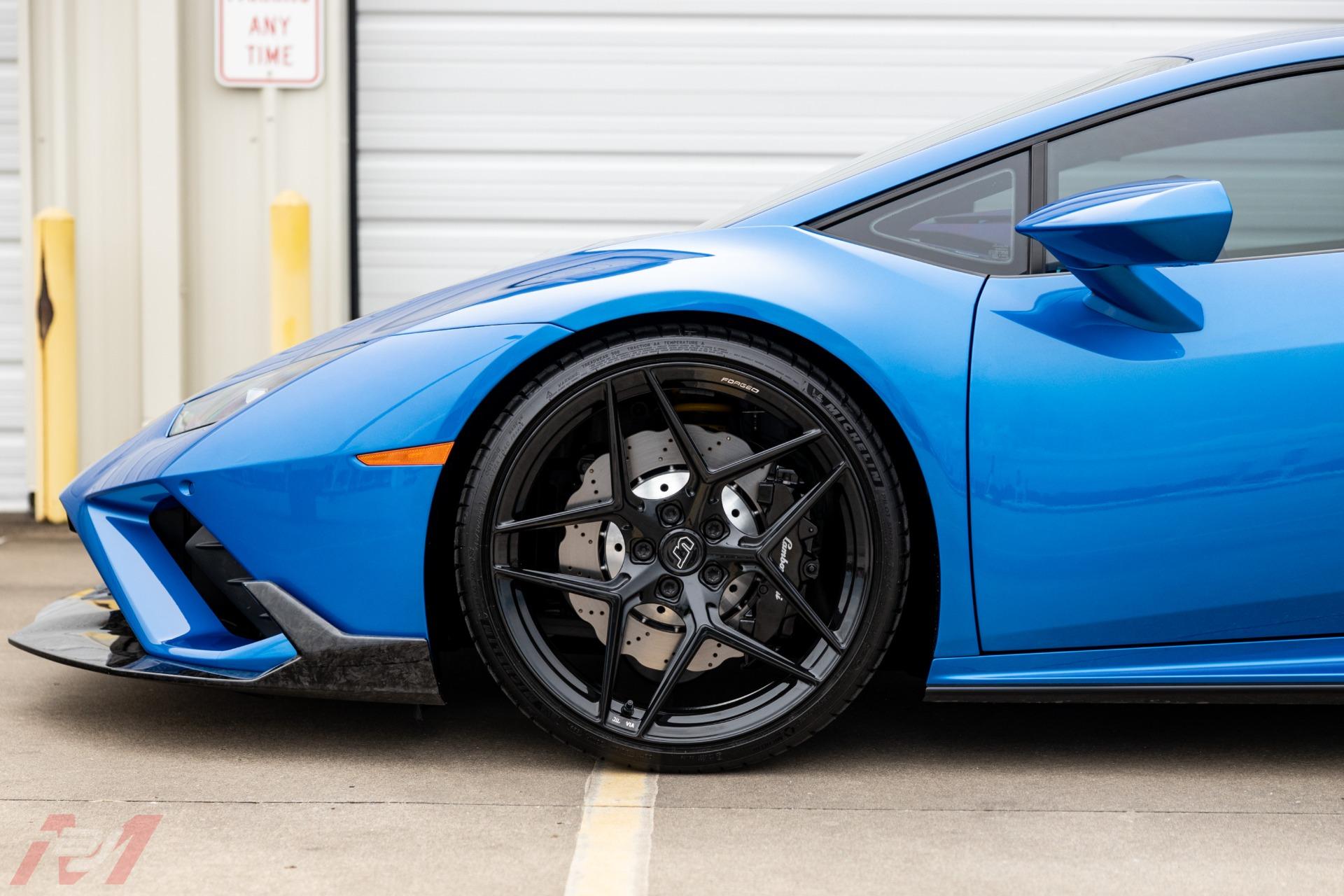 Used-2021-Lamborghini-Huracan-EVO