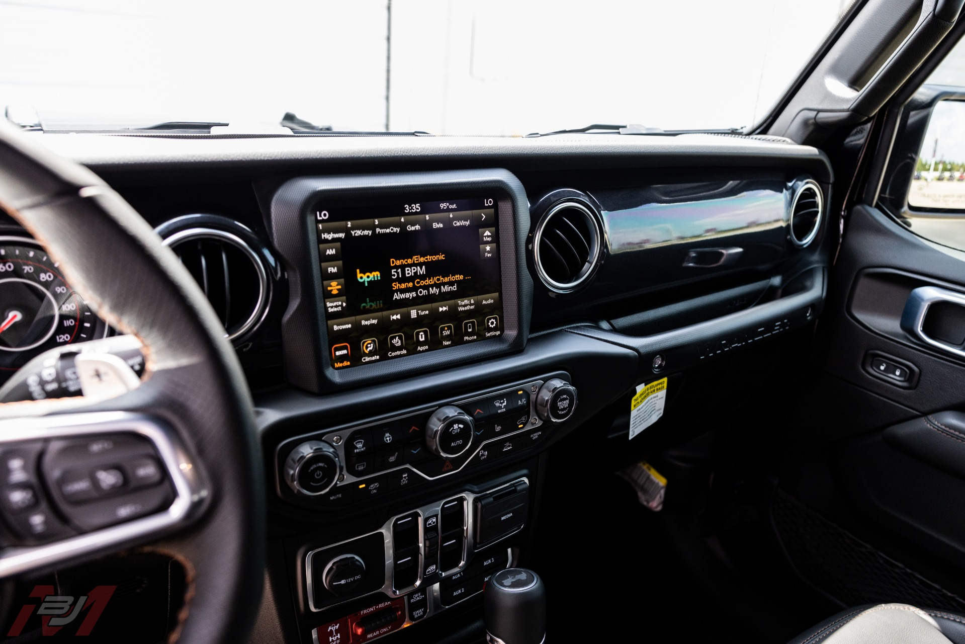 Used-2021-Jeep-Wrangler-Unlimited-Rubicon-392