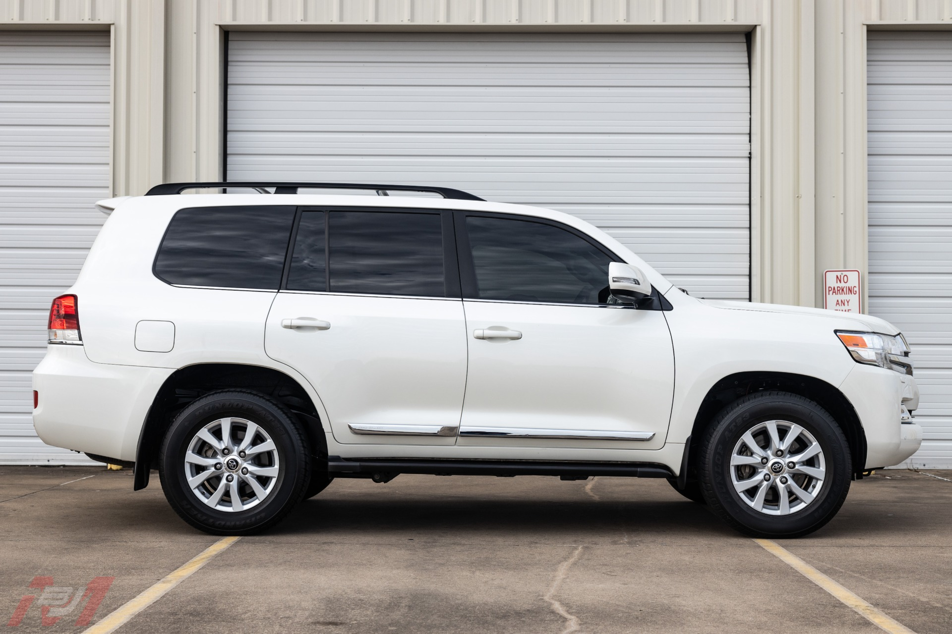 Used-2016-Toyota-Land-Cruiser