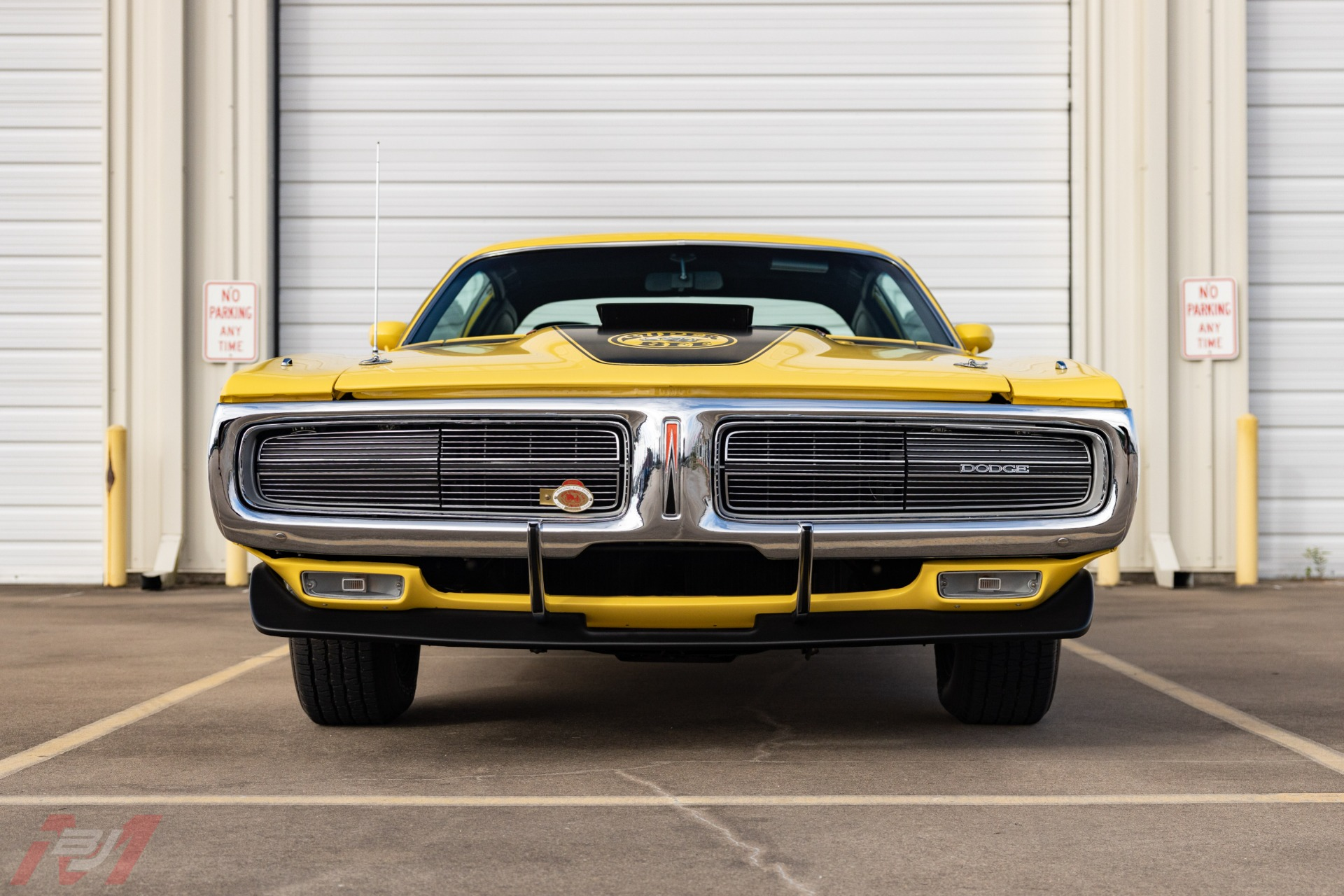 Used-1971-Dodge-Charger-Super-Bee-440-Six-Pack