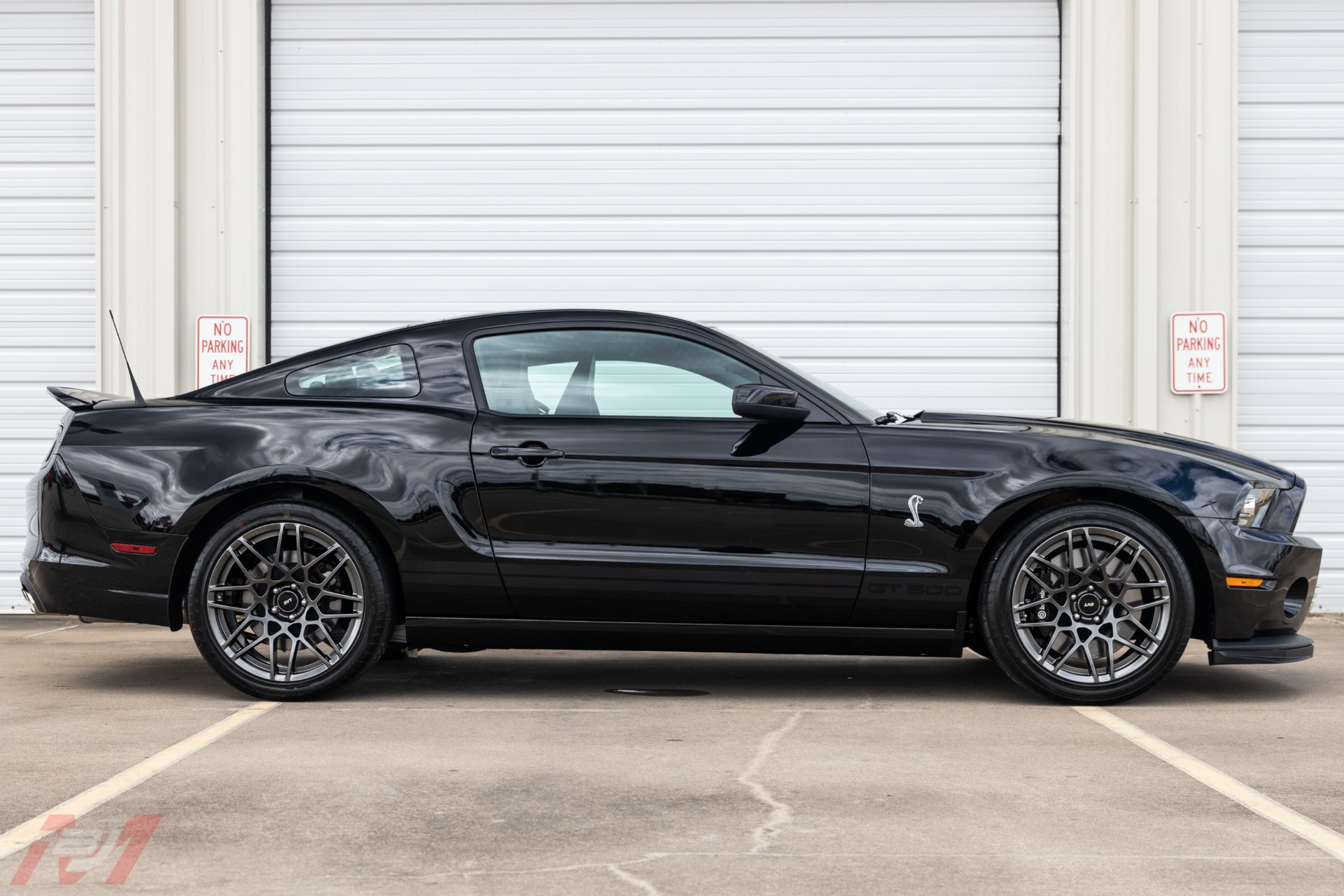 Used-2013-Ford-Mustang-Shelby-GT500