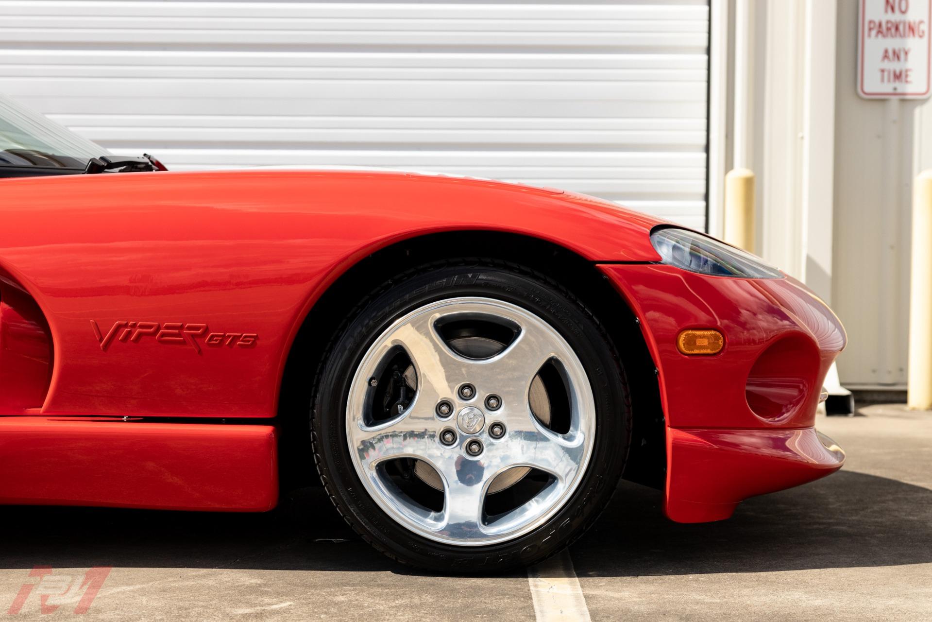 Used-2002-Dodge-Viper-GTS-Final-Edition